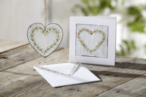 Photo of painted heart using Round Brush Starter Kit